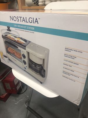 Nostalgia 3 in 1 breakfast station for Sale in Tacoma, WA