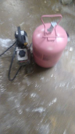 Freon 410 and vacuum for Sale in Dallas, TX
