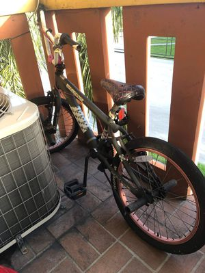 KIDS USED MOONGOOSE BIKE. $40 CASH for Sale in Miami, FL