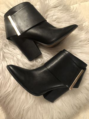 Black Leather Aldo Booties 8.5 for Sale in St. Louis, MO