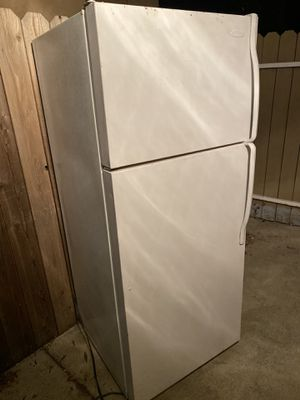 Fridge with freezer and refrigerator on bottom side for Sale in Antioch, CA