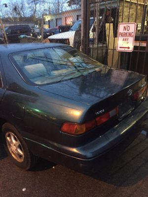 1998 Toyota Camry Xle for Sale in Greenbelt, MD