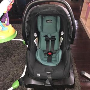 Evenflo Infant Car seat for Sale in Buffalo, NY