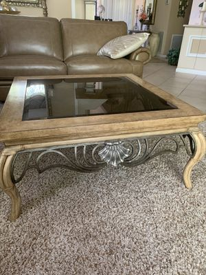 Coffee table and end table for Sale in Boynton Beach, FL