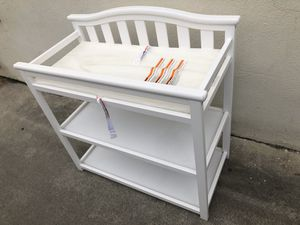 Diaper changing table for Sale in Los Angeles, CA