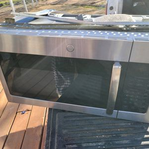 Almost New GE OTR Microwave Original$300 for Sale in San Antonio, TX