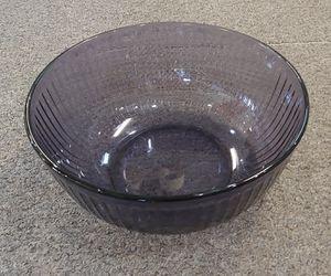 Large Purple Pyrex Bowl 4.5L for Sale in Burlington, NC