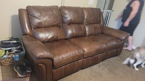 Full leather couch brand Man-wah from Havertys for Sale in Murfreesboro, TN