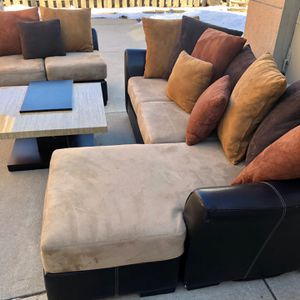 FREE DELIVERY Sectional Couch with Love Seat + Table for Sale in Park Ridge, IL