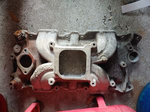 Edelbrock Torker 2 for SBC Chevy GMC for Sale in St. Petersburg, FL