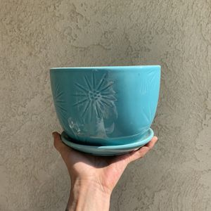 Blue flower pot with design for Sale in Los Angeles, CA