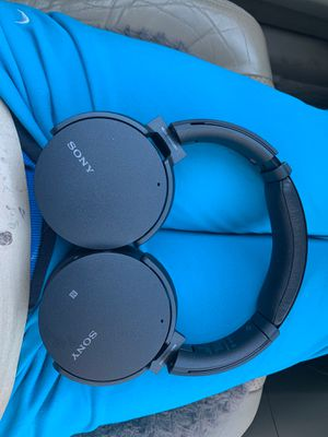 Sony wireless noise cancelling for Sale in Fairfax, VA