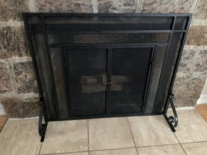 Plow and hearth small fireplace screen for Sale in Yonkers, NY