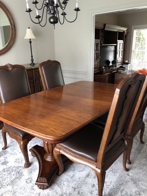 DINING TABLE/CHAIRS for Sale in Ashburn, VA