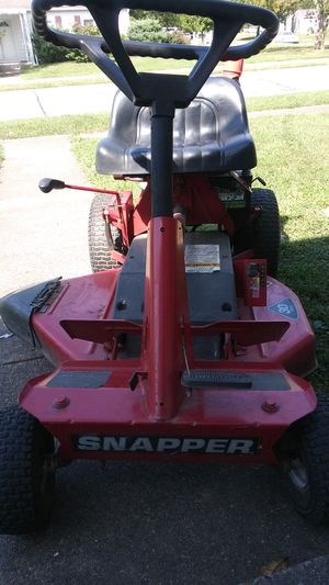 SNAPPER. Vintage Riding lawn mower!! Runs and drivesg great!! Starts every time $400 OBO for Sale in Evansville, IN