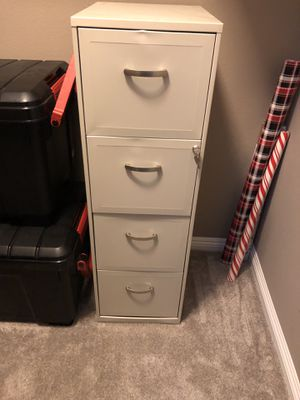 Filing Cabinet 4 drawer locking for Sale in Las Vegas, NV