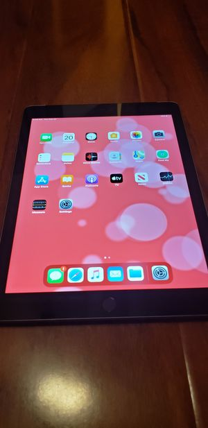 iPad 6th generation for Sale in Lake Elsinore, CA