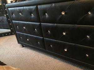 Black Tufted King bedroom Set for Sale in Saint Paul, MN