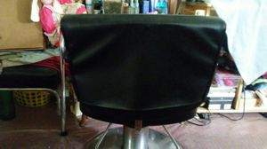 Beauty shop chair for Sale in Hyattsville, MD