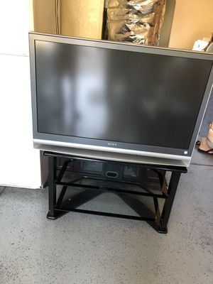 Sony tv, with stand. Has hdmi ports for Sale in San Jose, CA