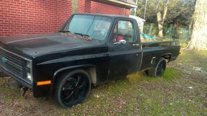 Chevy classic 1986 pickup for Sale in Daphne, AL