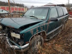 1997 chevy Tahoe parting out for Sale in Monessen, PA