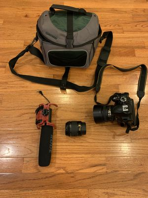 Nikon D3300 w/ 2x lenses and camera bag. for Sale in Brooklyn, NY