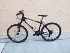 BICYCLE GIANT 21 SPEED for Sale in Miami, FL