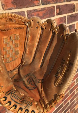 Rawlings 13.5 inch softball glove mitt for Sale in Tinley Park, IL