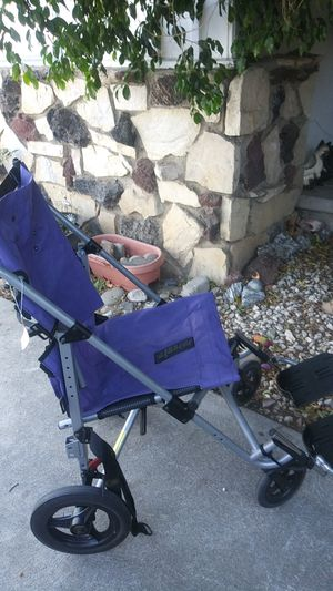 Handicap stroller. Brand new, 250 lbs weight limit. Seat belt attached. for Sale in Los Angeles, CA