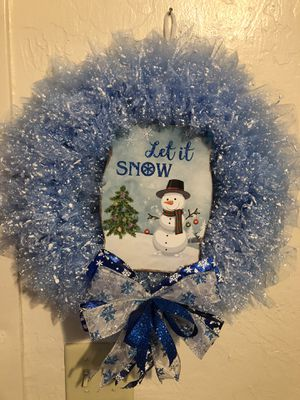 """Beautiful Winter Wreath with lights, 18"""" across for Sale in Stockton, CA"""