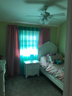 Twin bed and night stand for Sale in Staten Island, NY