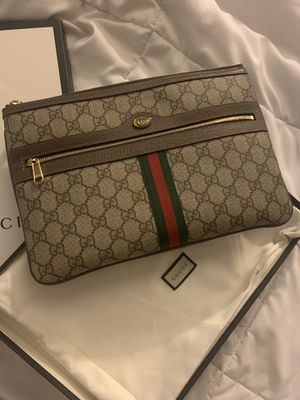 Ophidia GG Supreme pouch for Sale in West Hollywood, CA