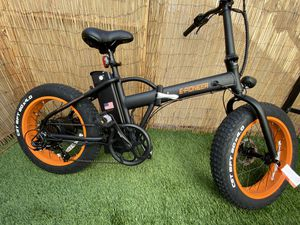 Electric Bike Bicycle with pedal assist/full throttle electric mode FAST for Sale in San Diego, CA