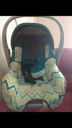 Car seat with no base for Sale in Raytown, MO