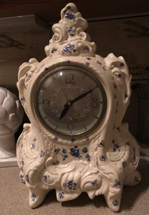 """17""""x12"""" ANTIQUE ELECTRIC CLOCK DECOR for Sale in Banning, CA"""