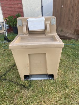 Portable sink for Sale in Imperial Beach, CA