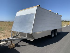23 ft enclosed cargo trailer toy hauler for Sale in Irvine, CA