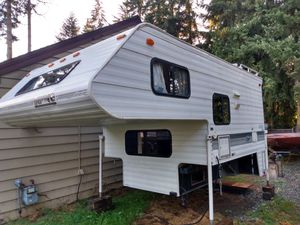 Lance camper for short bed truck for Sale in Marysville, WA