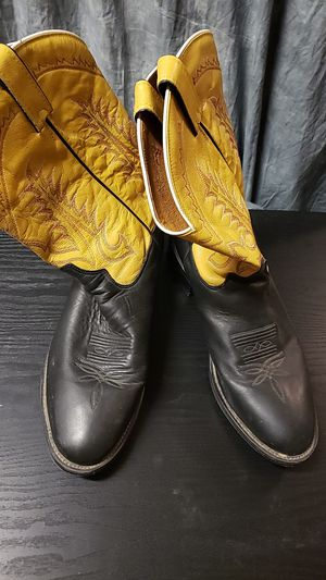 Mens Cowboy Boots size 10 for Sale in Peoria, AZ