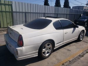 Junking 2005 chevy montecarlo for Sale in Huntington Park, CA