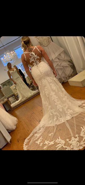 Wedding dress for Sale in Grove City, OH