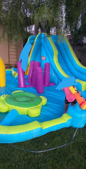 Little tiles water slide obstacle course(blower included) for Sale in Buena Park, CA