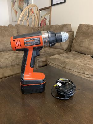 Black and Decker 12v cordless drill for Sale in Waynesville, MO