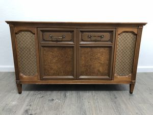 Magnavox Record Player for Sale in Pittsburgh, PA