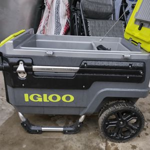 Igloo Trail Master Cooler for Sale in San Diego, CA