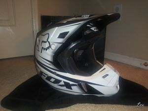 FOX DIRT BIKE HELMET for Sale in Corona, CA