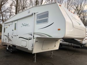 2007 palomino 5th wheel 28 foot camper trailer, with awning & slide out ! for Sale in Falls Church, VA