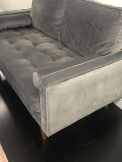 New Modern Velvet Unique Loveseat for Sale in Beverly Hills,  CA