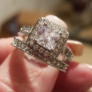 Princess cut wedding set..... size 6 for Sale in Riverside, CA